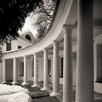 Колонная галерея в Середниково :: Антон Мазаев