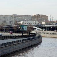 Москва. Река Яуза. :: Юрий Шувалов