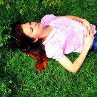 Я пытаюсь забыться в разных мирах, но каждый из них создан из реальности :: Юлия Михайлова