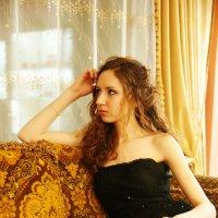 На диване :: Женя Рыжов