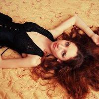 На кровати :: Женя Рыжов