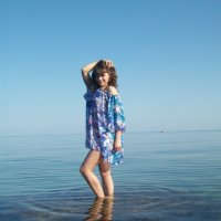 Девушка в водных просторах :: Дмитрий Жуков