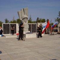 Открытие памятника. Вечный огонь. :: Эльвира Давлятова