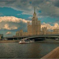 Высотка на Котельнической... :: Владимир Елкин