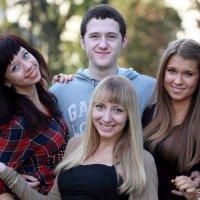 если б я был султан,то имел б трех жен,нет девушек :: Олег Лукьянов