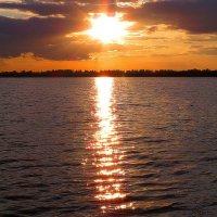 Просто солнце садится... :: Вячеслав Минаев