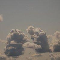 Причудливые облака... :: Павел Зюзин