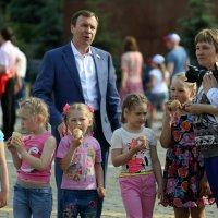 детки и чиновник :: Олег Лукьянов