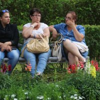 Будь одна из вас ткачихой, а другая поварихой...кто к исходу сентября мне родит богатыря??? :: Tatiana Markova