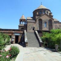 Церковь Святой Рипсиме :: Наталья Джикидзе (Берёзина)