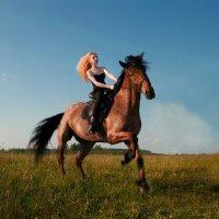 Прогулка на лошади :: Виктория Андреева