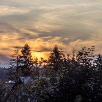 закат в деревне :: Лариса Батурова
