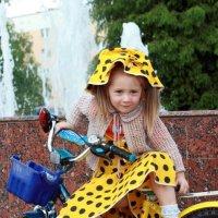 Есения на прогулке :: Виктор Меркулов