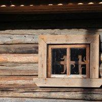 Окно амбара в г. Мышкин :: Алексей Казаков