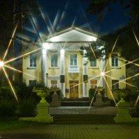 Ночной Дом Учёных. :: Виктор Евстратов