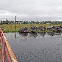 Русский Север. Село Нёнокса. Въезд в село :: Владимир Шибинский