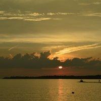Чудесный закат над Волгой :: Alina Mazitova
