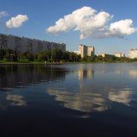 Облако над прудом :: Андрей Лукьянов