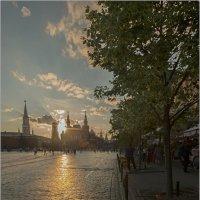 Вечер на Красной... :: Владимир Елкин