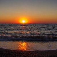 Крым-море-солнышко ложиться спать :: Варвара
