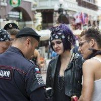 К полиции с ... любовью. Проверка документов :: Александр Степовой