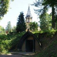 Церковь Святого Петра и Павла и «Склеп Адольфа» :: Елена Павлова (Смолова)