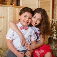 Брат и сесетра. :: Оксана Оноприенко