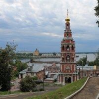 Вид на колокольню Церкви Собора Пресвятой Богородицы :: Наталья Гусева