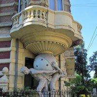 Дом Фальц-Фейнов (дом с атлантами) :: Александр Корчемный
