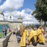 Псков: крестный ход 24 июля в день святой княгини Ольги... :: Владимир Павлов