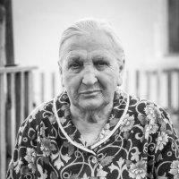 Бабушки нашего двора :: Ева Олерских