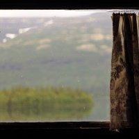 вид из избушки на озере :: Александра Пикина