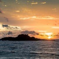 Остров на закате. :: Edward J.Berelet