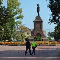 Площадь Революции :: Анатолий Евстегнеев