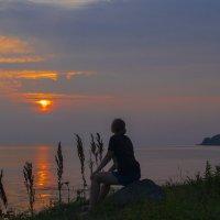 Любуясь  закатом :: Vladimir Nedosekin