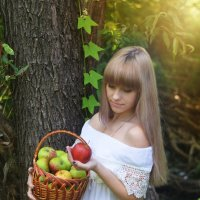 Корзина с яблоками :: Юлия