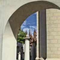 Вильно, вид на костел св. Анны из дворика костела св. Михаила :: Kliwo