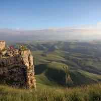 Скалы Большого Бермамыта в форме амфитеатра. Высота 2592 м :: Vladimir 070549