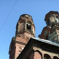 Колокольня старинной церкви на Обводном канале. :: Светлана Калмыкова