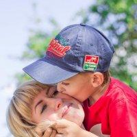 Искренняя детская любовь! :: Viktoria Lashuk