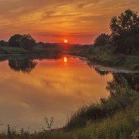 Закат над озером :: Ирина Приходько