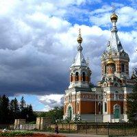 Золотая церковь в Уральске, Западный Казахстан :: Александр Облещенко