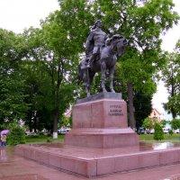 Памятник  Даниилу  Галицкому  в   Галиче :: Андрей  Васильевич Коляскин