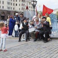 на манежной площади :: Slava
