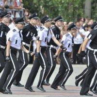 Полиция молодая. Марш энтузиастов. :: Юрий Воронов