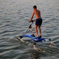 Ходить по воде , а точнее - прыгать. :: Андрей Lyz