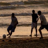 пляжный футбол :: Михаил Даниловцев