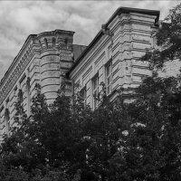 Старое строение :: Юрий Васильев