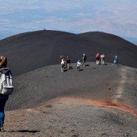 на краю кратера :: Svetlana