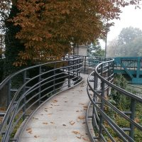 Осень по городу бродит....Осень себя не находит... :: Алёна Савина